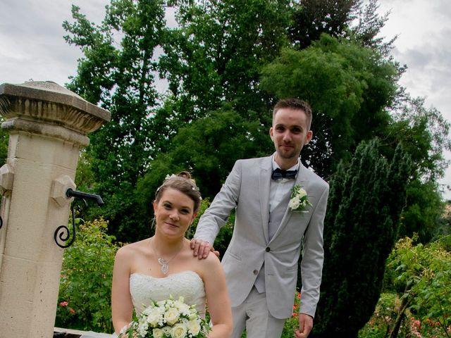 Le mariage de Florent et Margot à Bourg-Argental, Loire 3