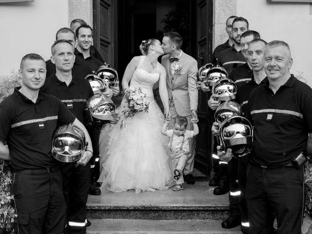 Le mariage de Florent et Margot à Bourg-Argental, Loire 10