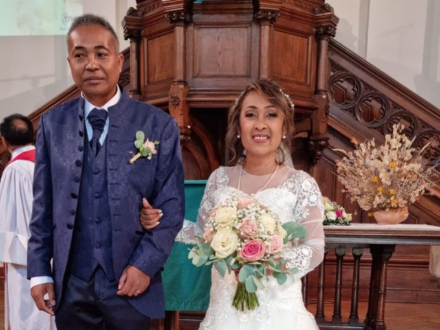 Le mariage de Ravalison  et Tahiana à Saint-Étienne, Loire 6