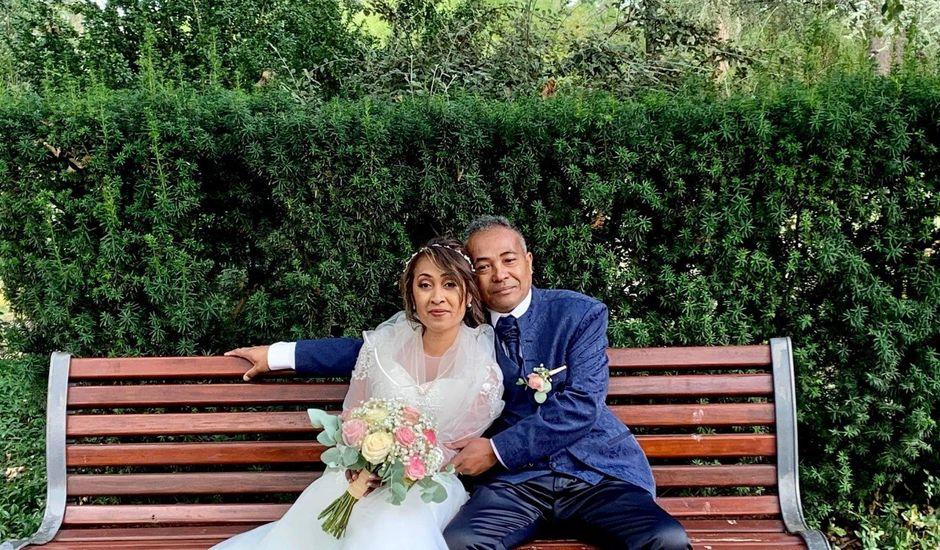 Le mariage de Ravalison  et Tahiana à Saint-Étienne, Loire