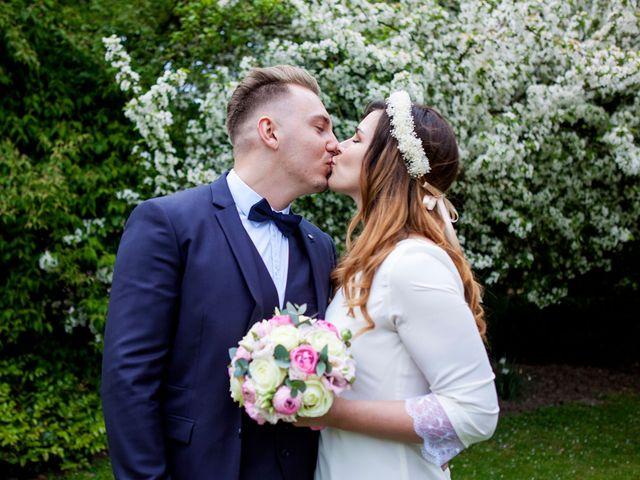 Le mariage de Valentin et Zélie à Halluin, Nord 11