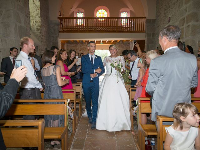 Le mariage de Yannick et Férial à Roiffieux, Ardèche 23