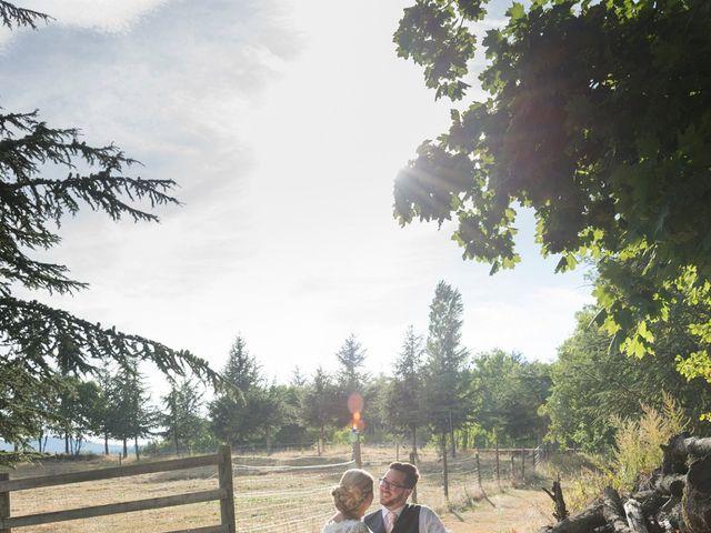 Le mariage de Yannick et Férial à Roiffieux, Ardèche 38