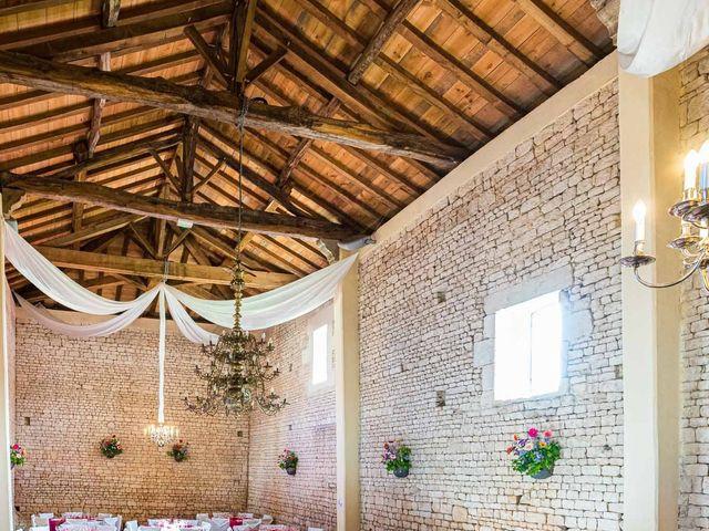 Le mariage de Sébastien et Isabelle à Sainte-Gemme-la-Plaine, Vendée 32