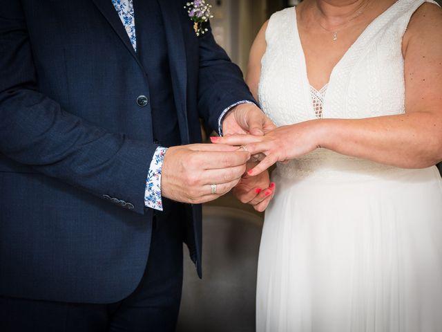 Le mariage de Sébastien et Isabelle à Sainte-Gemme-la-Plaine, Vendée 12