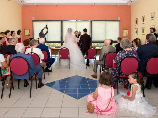 Le mariage de Kevin et Alexia à Saint-Léon-sur-l'Isle, Dordogne 6