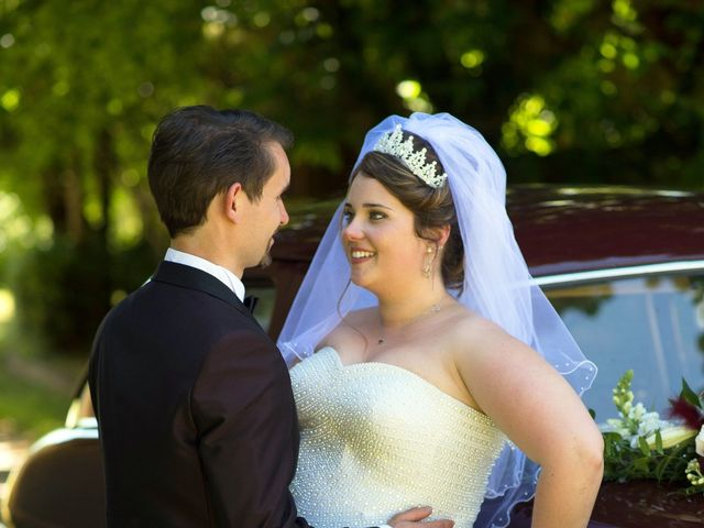 Le mariage de Kevin et Alexia à Saint-Léon-sur-l'Isle, Dordogne 10