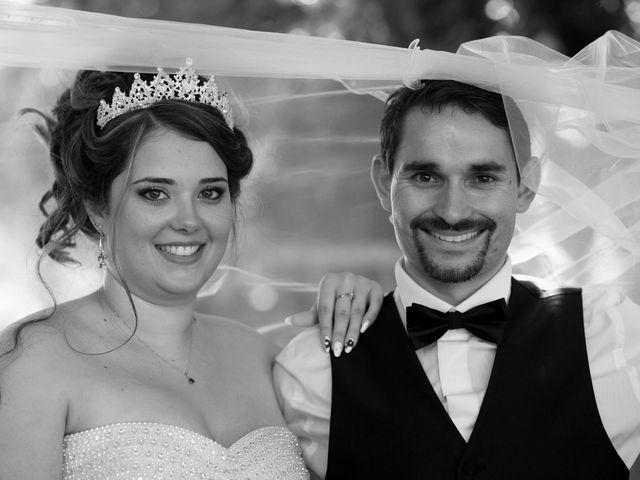 Le mariage de Kevin et Alexia à Saint-Léon-sur-l'Isle, Dordogne 12