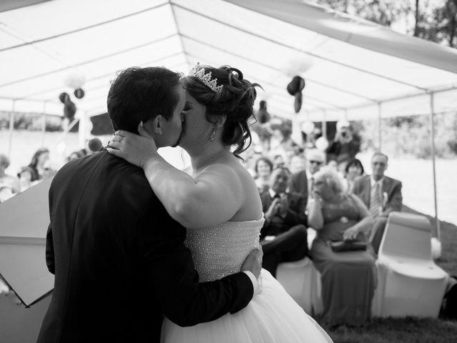 Le mariage de Kevin et Alexia à Saint-Léon-sur-l'Isle, Dordogne 15