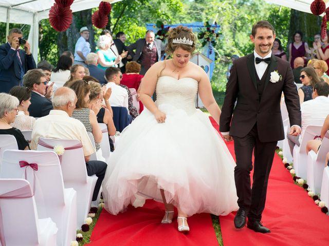 Le mariage de Kevin et Alexia à Saint-Léon-sur-l'Isle, Dordogne 16