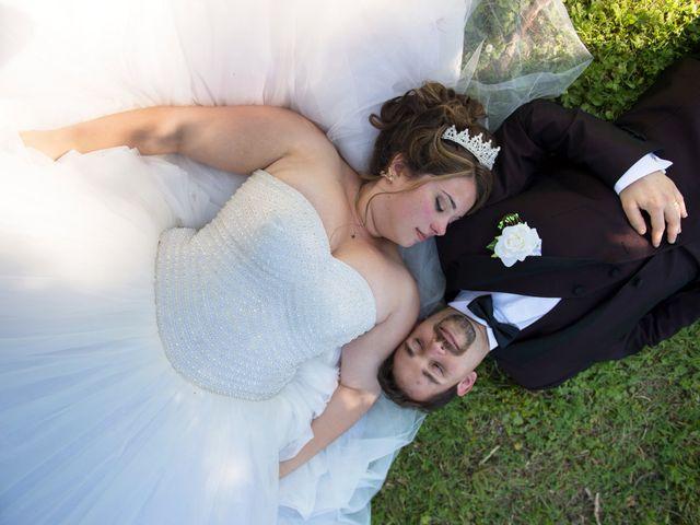 Le mariage de Kevin et Alexia à Saint-Léon-sur-l'Isle, Dordogne 17