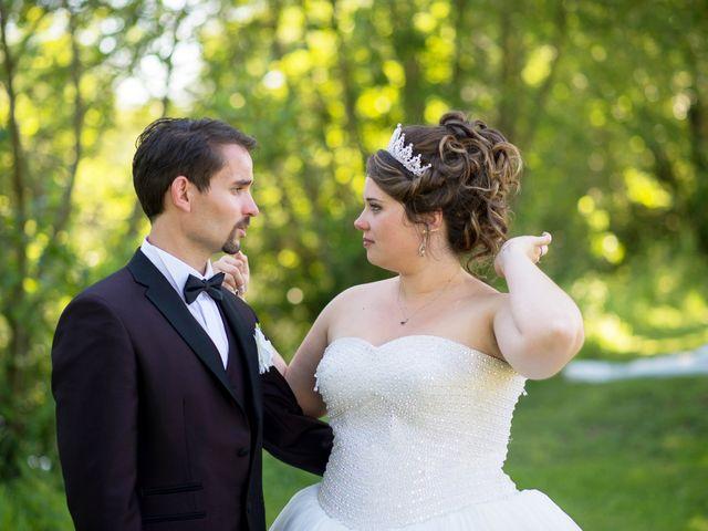 Le mariage de Kevin et Alexia à Saint-Léon-sur-l'Isle, Dordogne 18