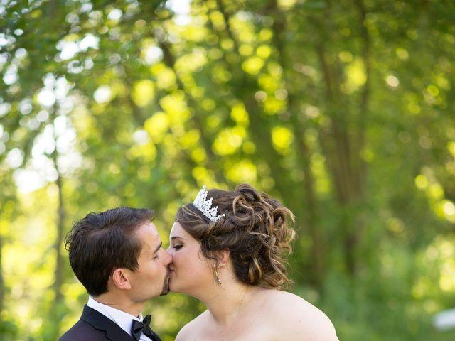 Le mariage de Kevin et Alexia à Saint-Léon-sur-l'Isle, Dordogne 19
