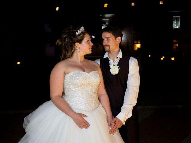 Le mariage de Kevin et Alexia à Saint-Léon-sur-l'Isle, Dordogne 24