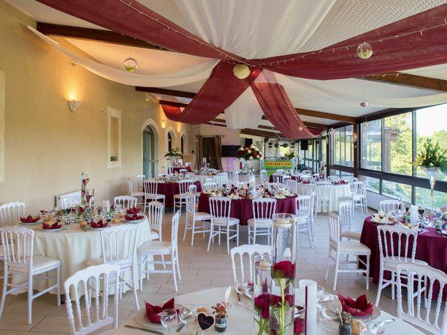 Le mariage de Kevin et Alexia à Saint-Léon-sur-l'Isle, Dordogne 28