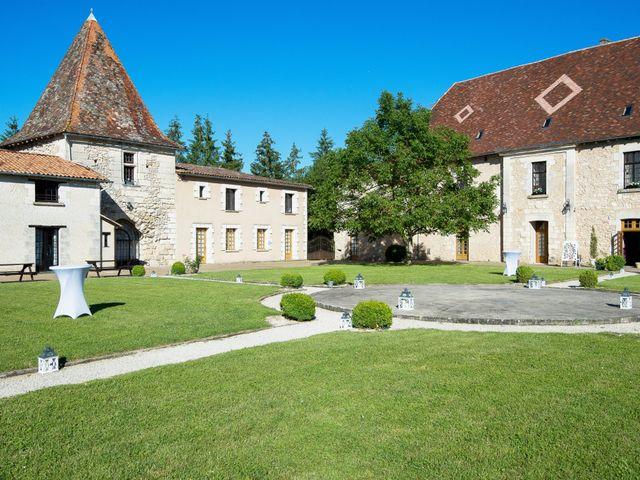 Le mariage de Kevin et Alexia à Saint-Léon-sur-l'Isle, Dordogne 30