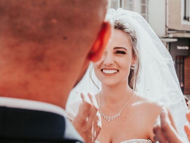 Le mariage de Oualid et Caroline à Oyonnax, Ain 32