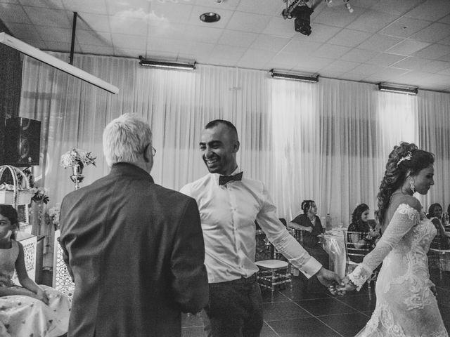 Le mariage de Oualid et Caroline à Oyonnax, Ain 68