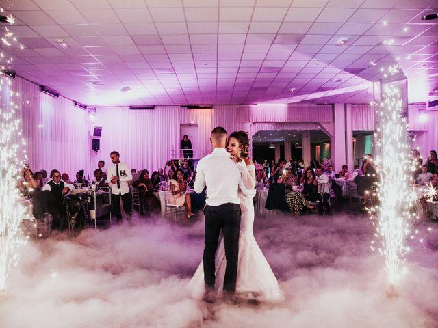 Le mariage de Oualid et Caroline à Oyonnax, Ain 70