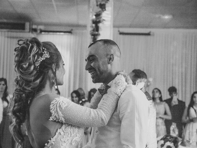Le mariage de Oualid et Caroline à Oyonnax, Ain 72