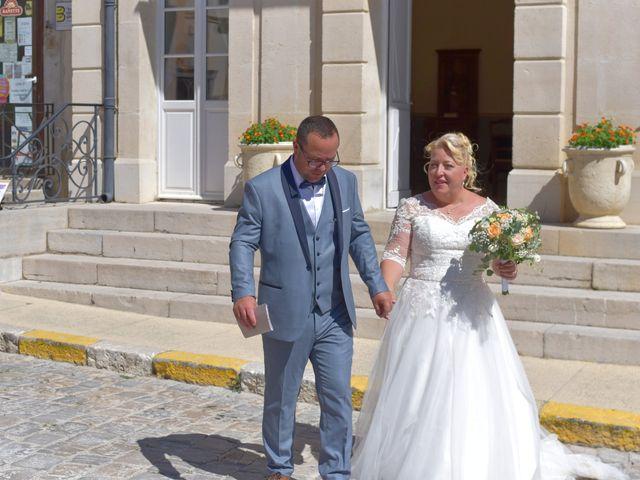 Le mariage de Cyril et Estelle à Boulbon, Bouches-du-Rhône 16