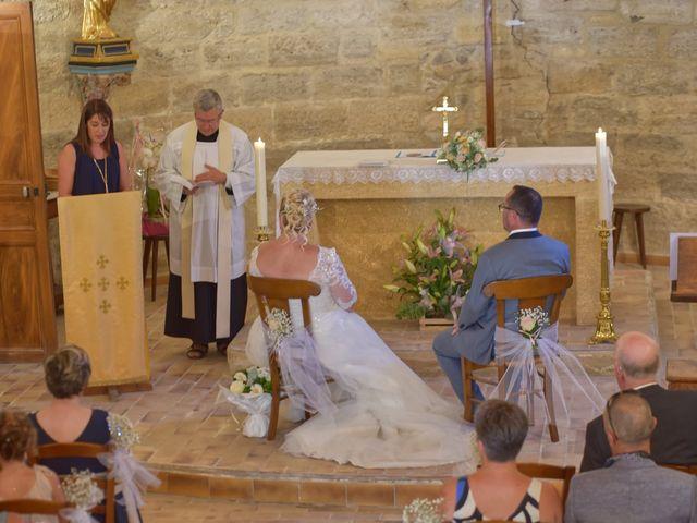 Le mariage de Cyril et Estelle à Boulbon, Bouches-du-Rhône 31