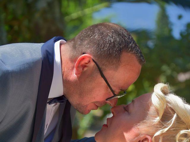 Le mariage de Cyril et Estelle à Boulbon, Bouches-du-Rhône 17