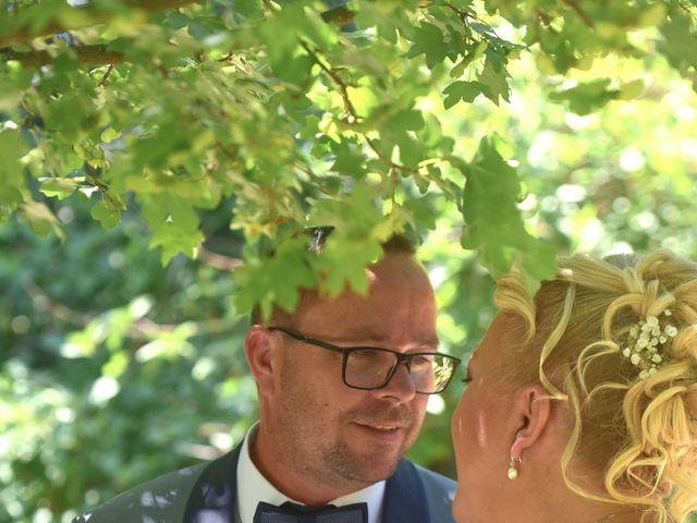 Le mariage de Cyril et Estelle à Boulbon, Bouches-du-Rhône 18