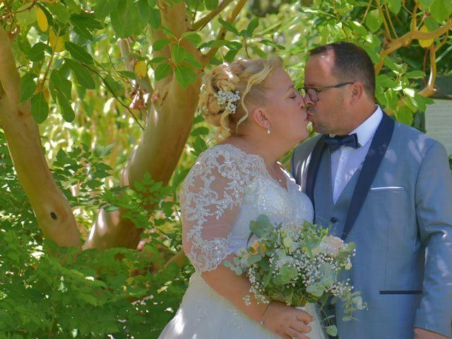 Le mariage de Cyril et Estelle à Boulbon, Bouches-du-Rhône 23