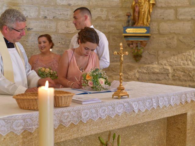 Le mariage de Cyril et Estelle à Boulbon, Bouches-du-Rhône 28