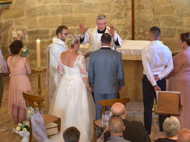 Le mariage de Cyril et Estelle à Boulbon, Bouches-du-Rhône 29