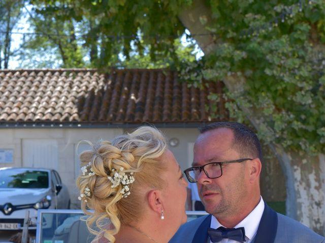 Le mariage de Cyril et Estelle à Boulbon, Bouches-du-Rhône 36