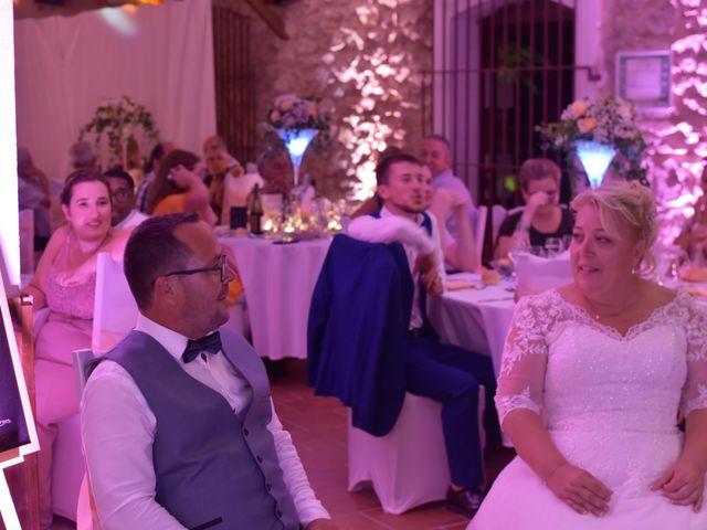 Le mariage de Cyril et Estelle à Boulbon, Bouches-du-Rhône 60