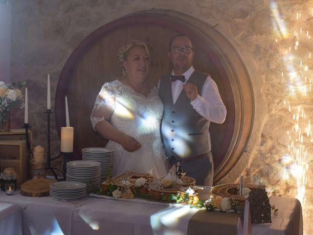 Le mariage de Cyril et Estelle à Boulbon, Bouches-du-Rhône 64