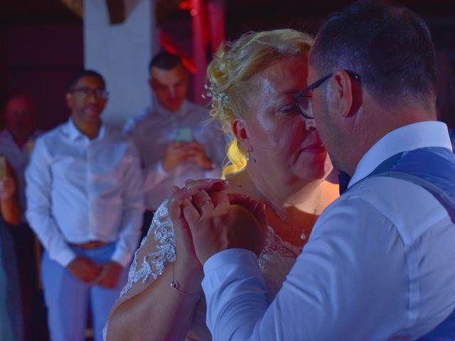 Le mariage de Cyril et Estelle à Boulbon, Bouches-du-Rhône 71