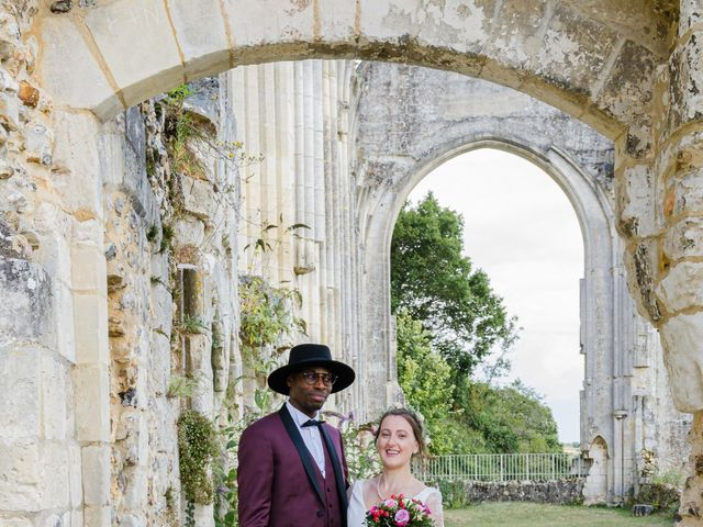 Le mariage de Léo et Elodie à Beaumont-le-Roger, Eure 10