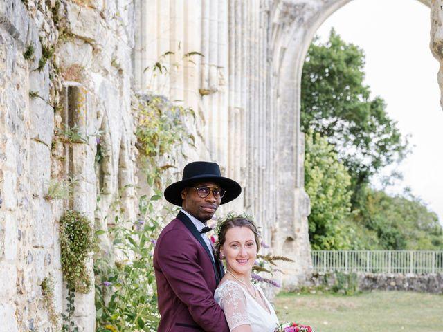Le mariage de Léo et Elodie à Beaumont-le-Roger, Eure 11