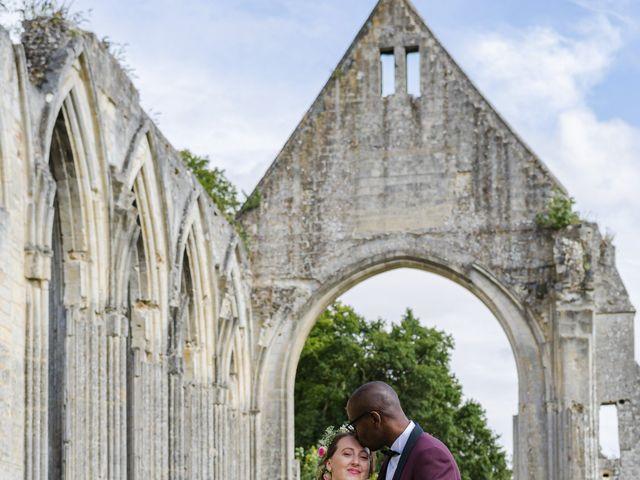 Le mariage de Léo et Elodie à Beaumont-le-Roger, Eure 13