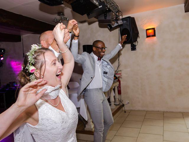 Le mariage de Léo et Elodie à Beaumont-le-Roger, Eure 21