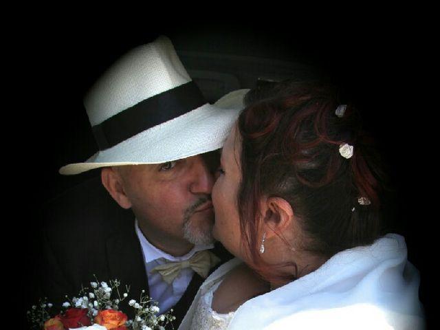 Le mariage de  Éric et Typhène à Narbonne, Aude 3