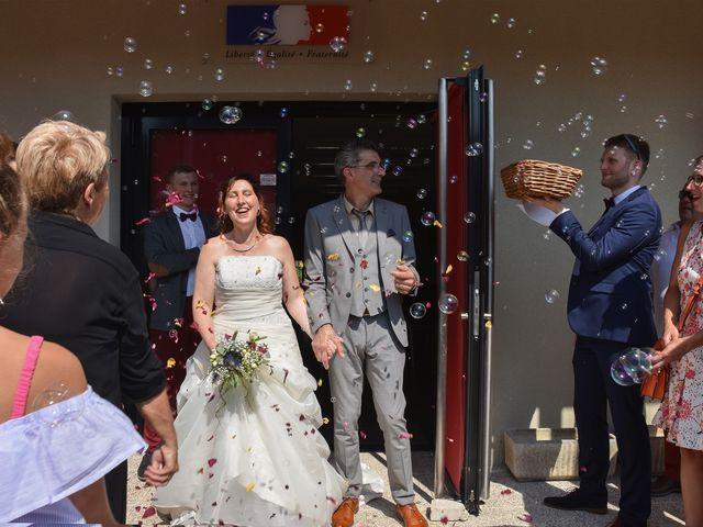 Le mariage de Hervé et Lise à Saint-Sernin, Ardèche 11