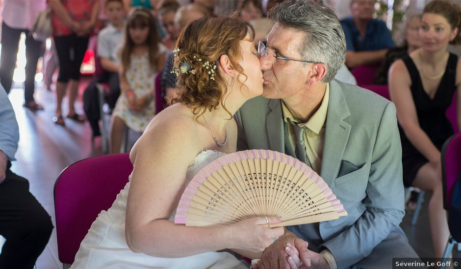 Le mariage de Hervé et Lise à Saint-Sernin, Ardèche
