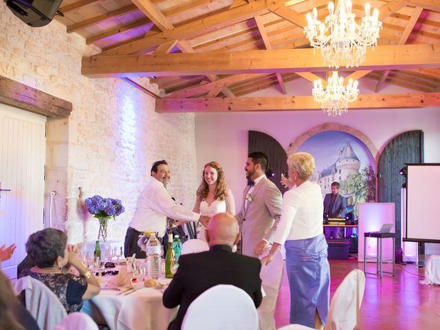 Le mariage de David et Isabel à Marans, Charente Maritime 148