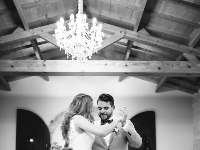 Le mariage de David et Isabel à Marans, Charente Maritime 188
