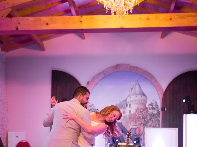 Le mariage de David et Isabel à Marans, Charente Maritime 192
