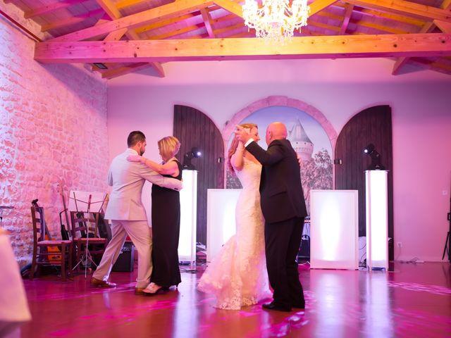 Le mariage de David et Isabel à Marans, Charente Maritime 208