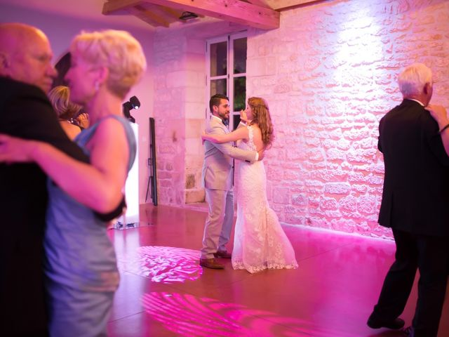 Le mariage de David et Isabel à Marans, Charente Maritime 225
