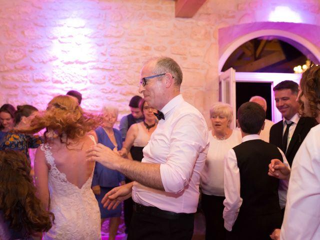Le mariage de David et Isabel à Marans, Charente Maritime 257
