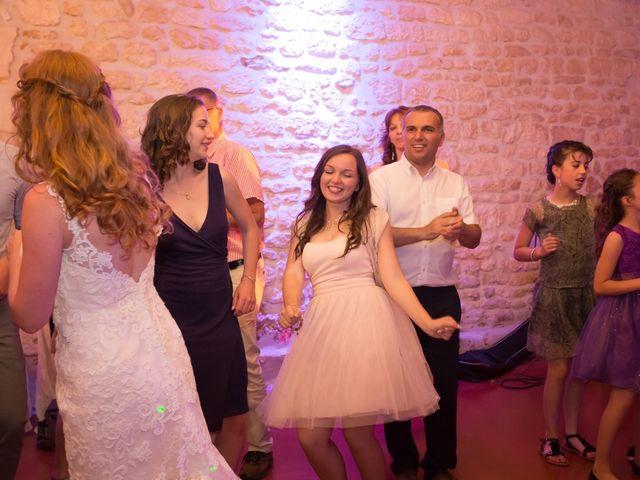 Le mariage de David et Isabel à Marans, Charente Maritime 259