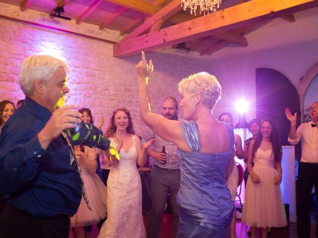 Le mariage de David et Isabel à Marans, Charente Maritime 262